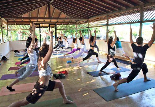 סדנת יוגה למתקדמים ביוון עם לירון