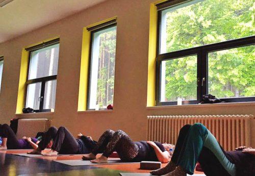 סדנת יוגה ותנועה בצ'כיה