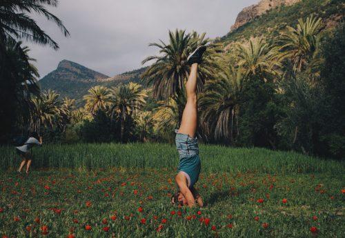 סדנת יוגה באווירה מרוקאית