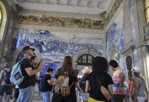 יוגה ופילאטיס באווירה פורטוגזית