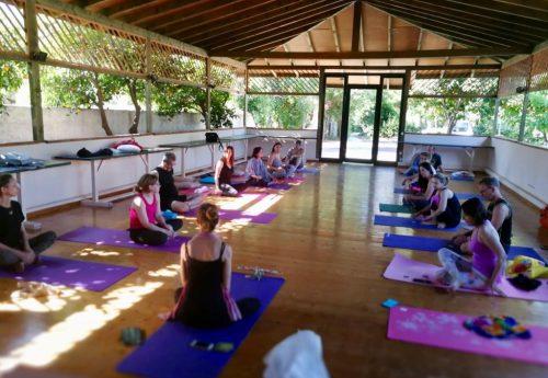 סדנת יוגה, תנועה וצלילים ביוון