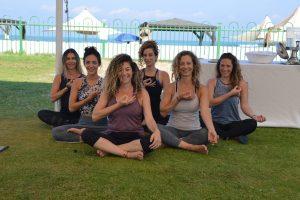 מתאמנות יוגה נחשולים ישראל